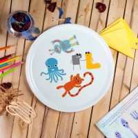 "Porcelain pica plate - ""Sock thief toys"" Ø32"