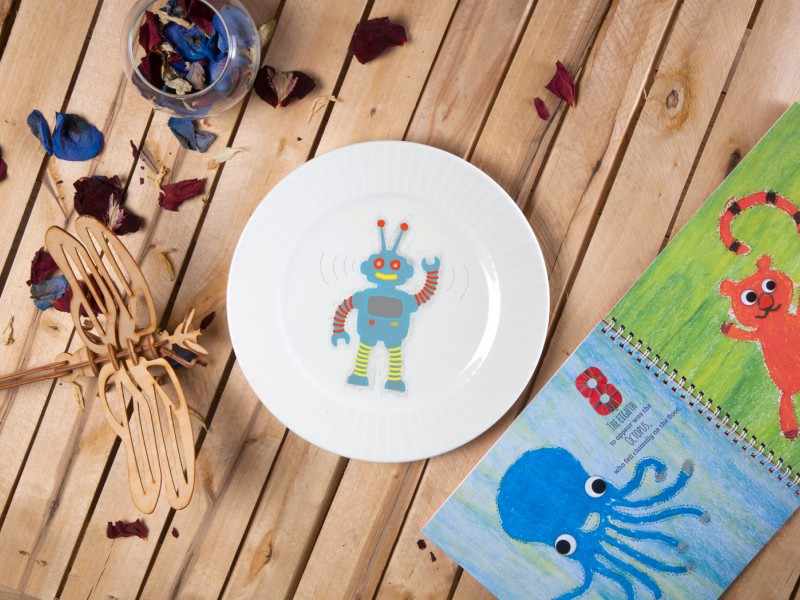 "Porcelain plate - ""Robot ROBO"" Ø24 with radial side"